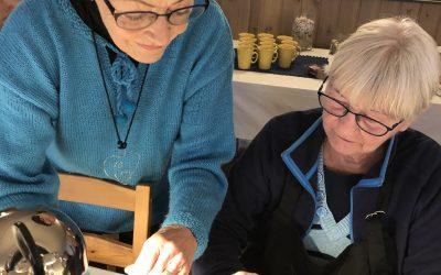 Luffarslöjd i Filéhuset skapar kreatitvitet och glädje